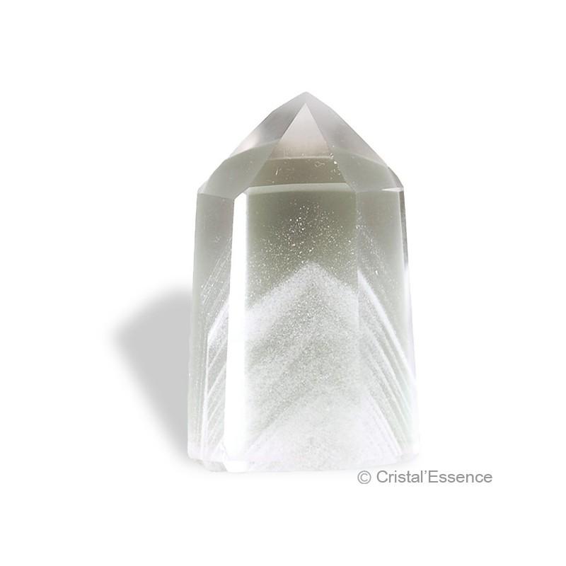 Cristal de roche, taillé avec fantôme