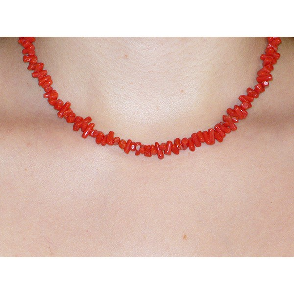 Corail rouge, collier branches