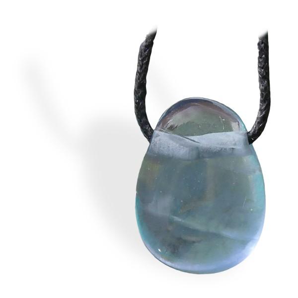 Fluorite bleue roulée, pendentif percé