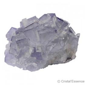 Fluorite bleu mauve, petit groupe de cristaux